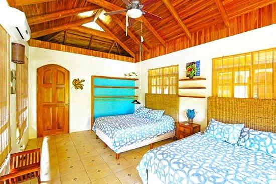 Blue Surf Sanctuary: Bungalow Sereno