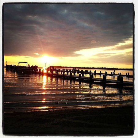 Appeldoorn's Sunset Bay Resort: Typical gorgeous sunset!