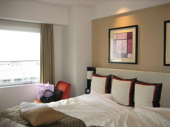 Hotel Best Land : ベッドも大きくてゆったりしていました
