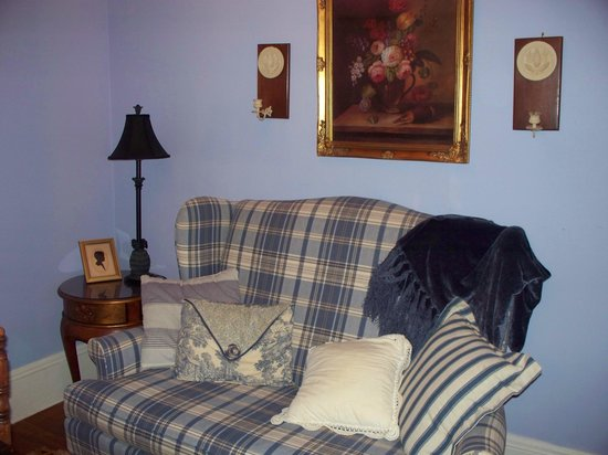 Alexander Homestead : Sitting area in room.