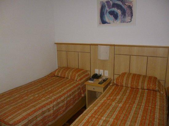 Hotel Monte Alegre: Quarto