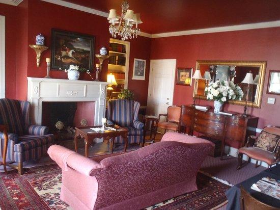Inn by the Bandstand: Lobby area