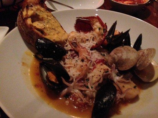 La Bella Vita Ristorante : Rustic seafood stew