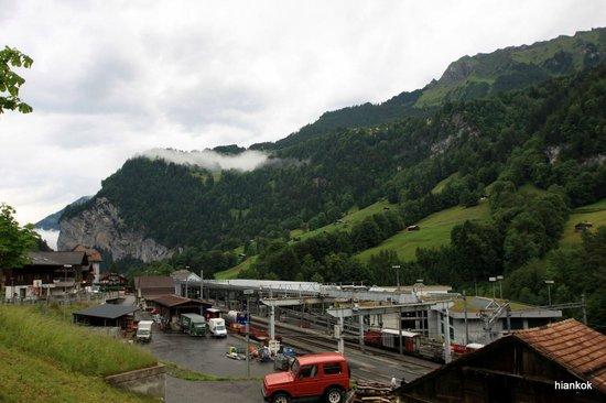Hotel Staubbach: Train Station down the hill.