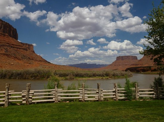 Red Cliffs Lodge: View from back porch of room