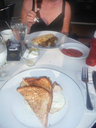 Cafe Americano: great breakfast!