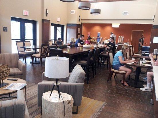 Hampton Inn & Suites Boulder - North: breakfast