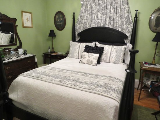 Colby House Bed & Breakfast: Gabriel Room - Love this!