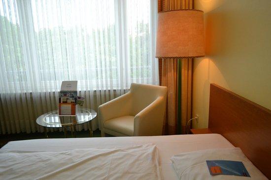 Mercure Parkhotel Krefelder Hof: room