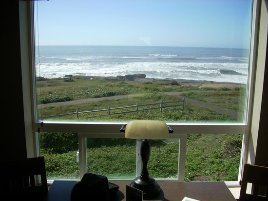 Overleaf Lodge & Spa: view from a 360 degree room