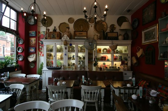 Allans Patisserie Boulangerie: Antiques and cultural finds