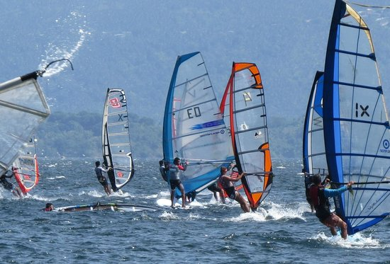 Taal Lake Yacht Club : We have occasiobal windsurfing regattas from December thru early March.dsurfind