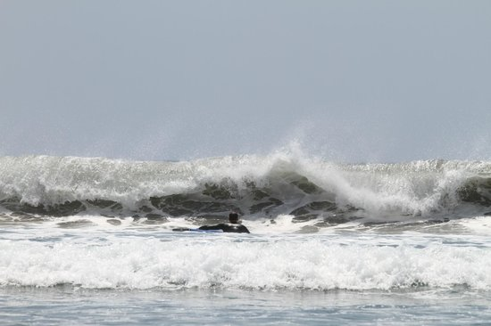 The Sari Beach: океан