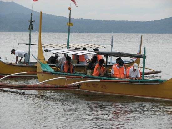 Taal Lake Yacht Club : We can handle almost any size group for volcano trips.