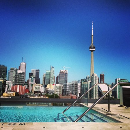Thompson Toronto - A Thompson Hotel: rooftop during the day