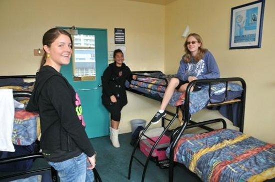 YHA Auckland International : Dorm room