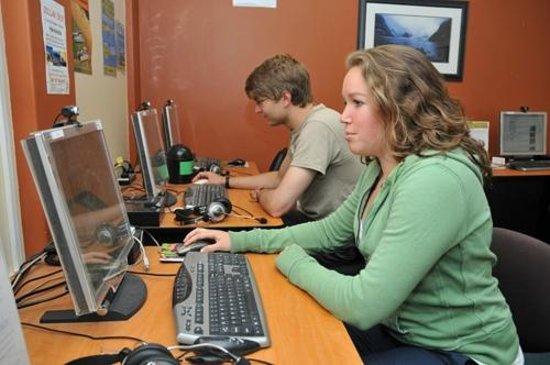 YHA Auckland International : Communal computers