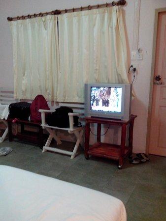 Pakmeng Resort: ในห้องมี TV