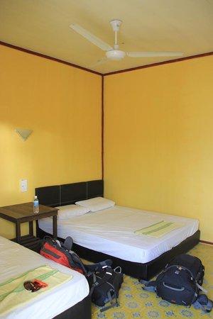 Seahorse Sipadan Scuba Lodge: Sea View Room