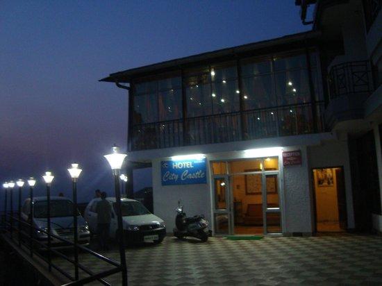 Hotel City Castle: Night view