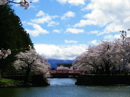 Yonezawa Castle Ruins / Matsugasaki Park: 2013年5月2日