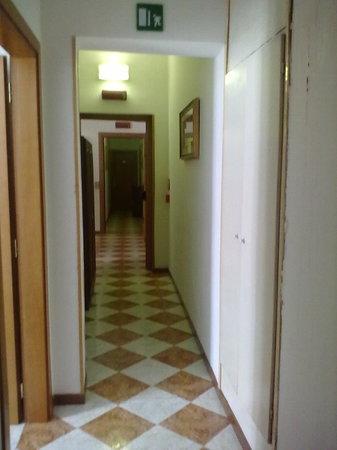 Hotel Iris: .