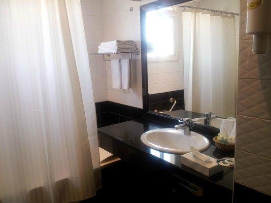 Al-Nakheel Hotel : Bath Room