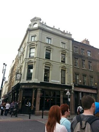 Jack the Ripper Tour - Discovery Tours: the Bell
