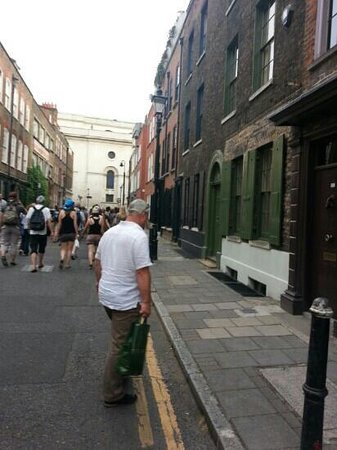 Jack the Ripper Tour - Discovery Tours: east end skms houses