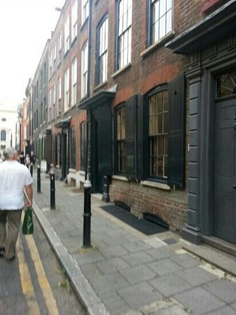 Jack the Ripper Tour - Discovery Tours: alms houses