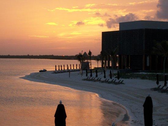 NIZUC Resort and Spa : The sunset on our last night at Nizuc.