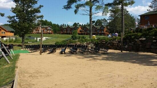 Big Sandy Lodge & Resort: Wedding Chairs on V-ball Court