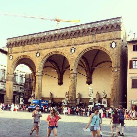 Piazza della Signoria: Loggia della Signoria
