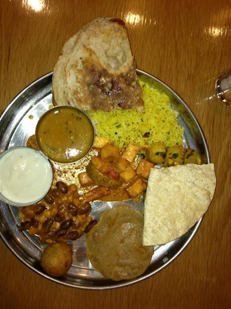BAPS Shri Swaminarayan Mandir: thali in the restaurant near the parking