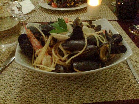 Excellent spaghetti fruite de mer at Raffaello's