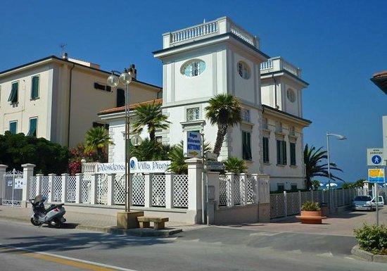 Residence villa piani san vincenzo recenze a srovn n for Villa a 3 piani