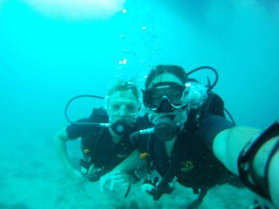Sunshine Divers Resort: Happy divers!