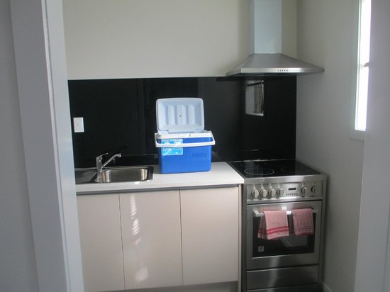 Auckland Phoenix Palm Motel: kitchen