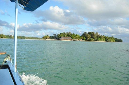 Pacific Lagoon Apartments: View of Erakor Island