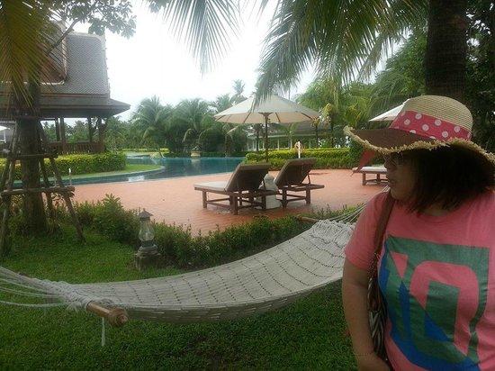 Sofitel Krabi Phokeethra Golf & Spa Resort: View by the swimming pool
