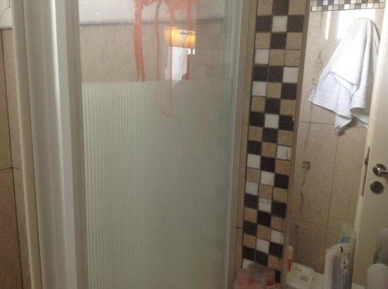 Orizontes Hotel & Villas: Μπάνιο - καθρέφτης