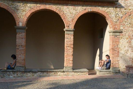 Santa Maria della Pace : L'attesa (che finisca la Messa)