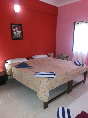 Paradise Village Beach Resort: bedroom of our suite