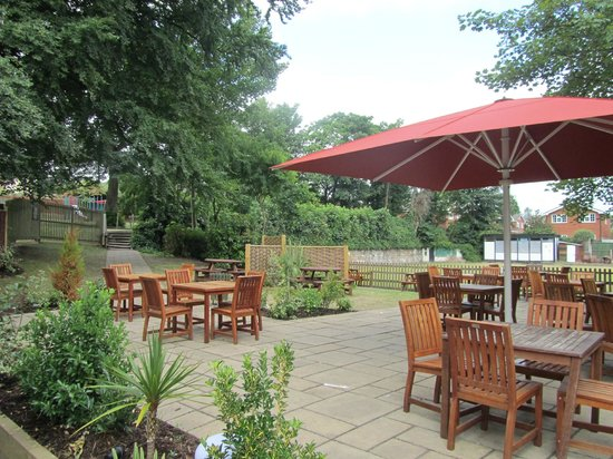 Childwall Abbey Hotel: beer garden and just past that is a large play area