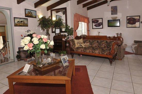 Akanan Guest House: Lounge area