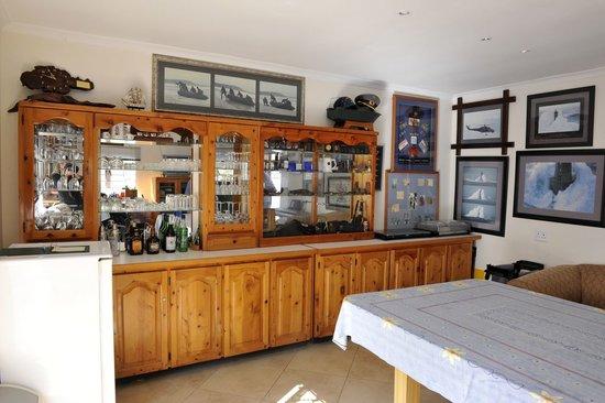 Akanan Guest House : Bar area