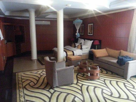 Galaxy Hotel: Room 111