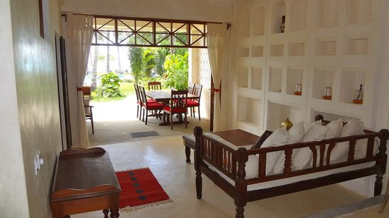 Galu Sea Lodge -Tamani: Monkey Beach House