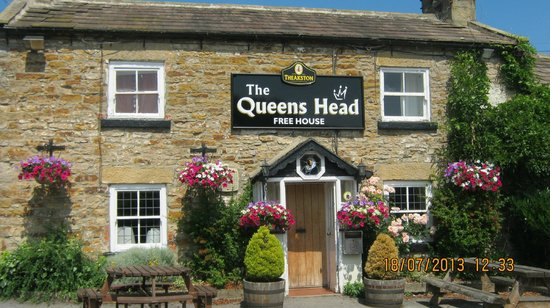The Queens Head , Finghall , Leyburn ( 2 )