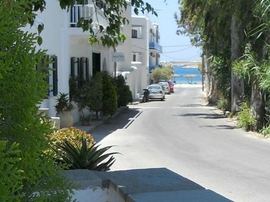 Cyclades Hotel and Studios: 300 yards to the beach